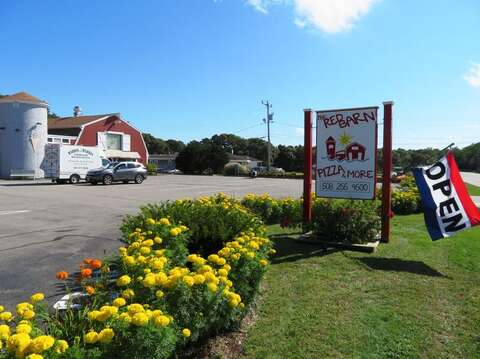 Red Barn Pizza-Family Friendly fun with arcade and mini golf-Eastham Cape Cod - New England Vacation Rentals