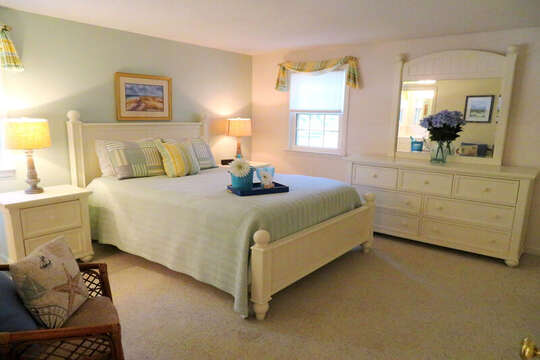 Bedroom #1 Queen bed with mirrored dresser. 30 Chatham Crest Drive Chatham Cape Cod - New England Vacation Rentals