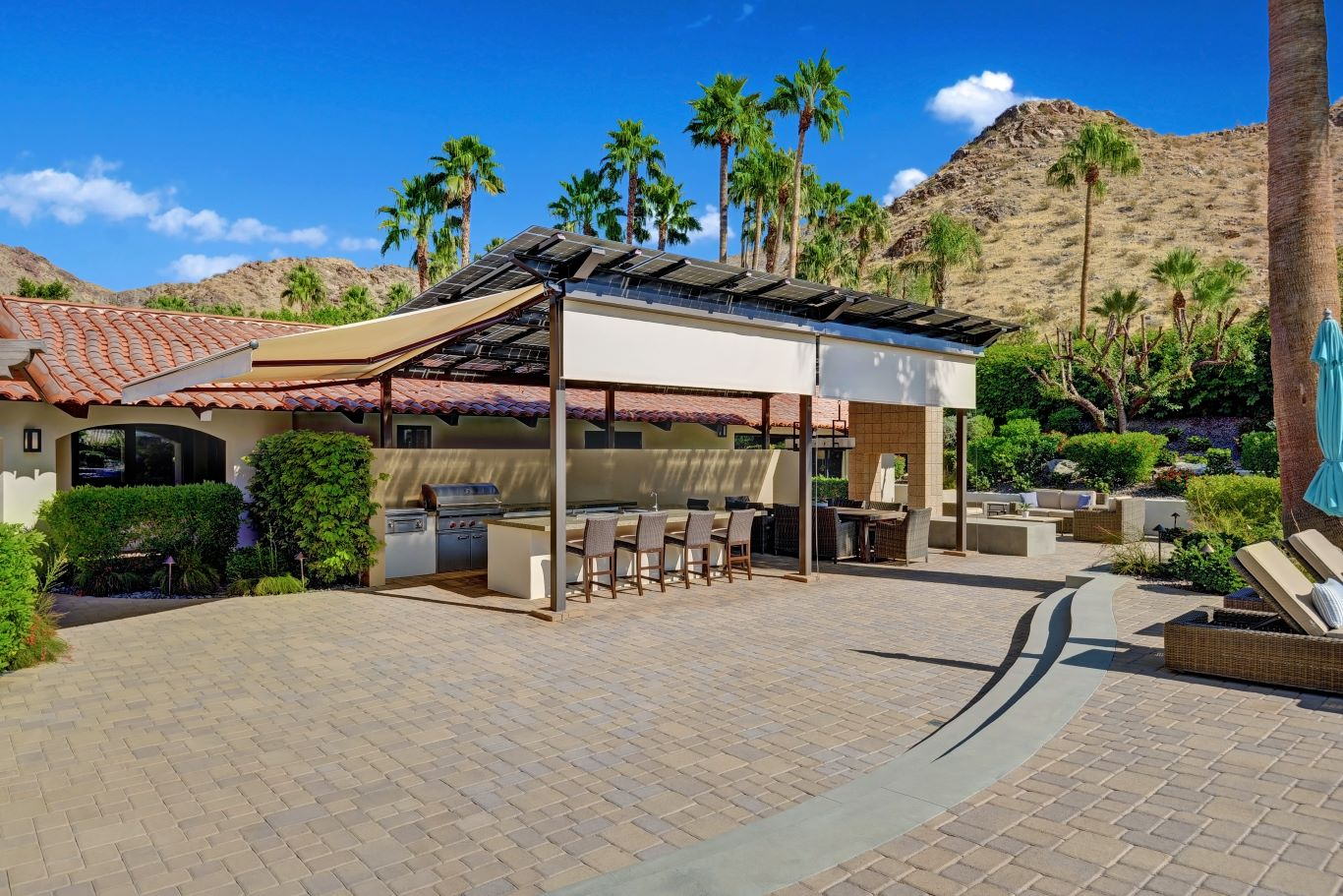 Outdoor Kitchen Shade Awnings