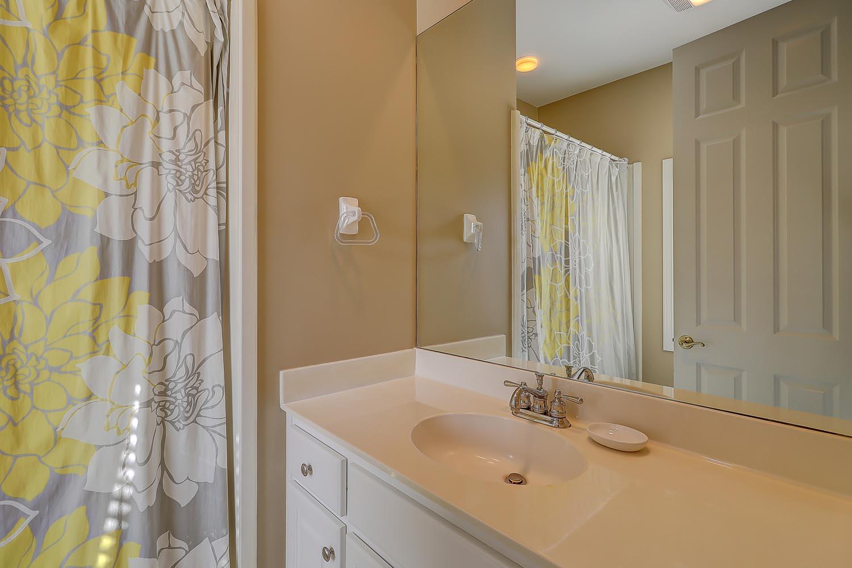 Bathroom in bedroom 7 has tub/shower combo