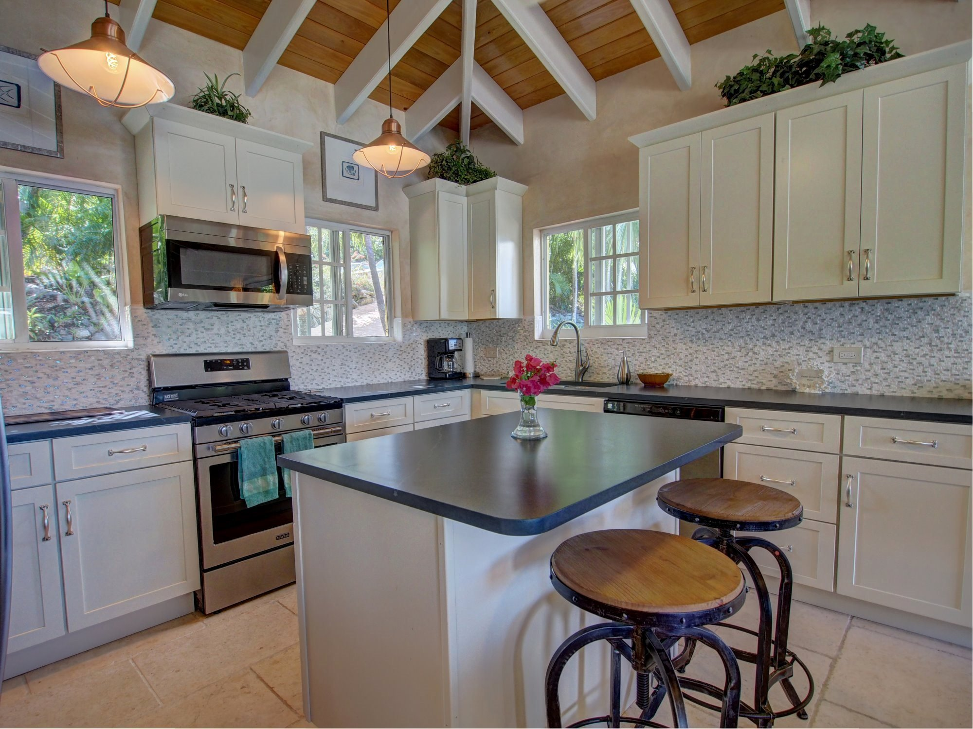 Perfect and well appointed kitchen with islands
