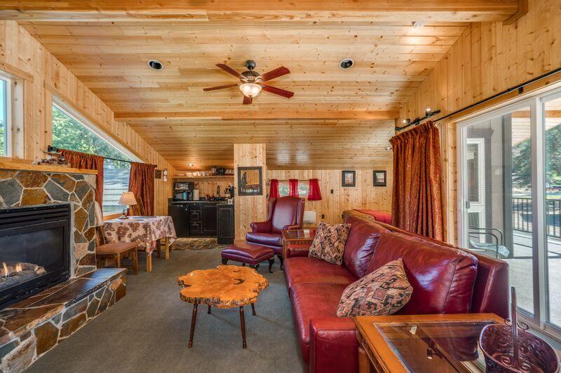 Part of Riverside Loft Suite
