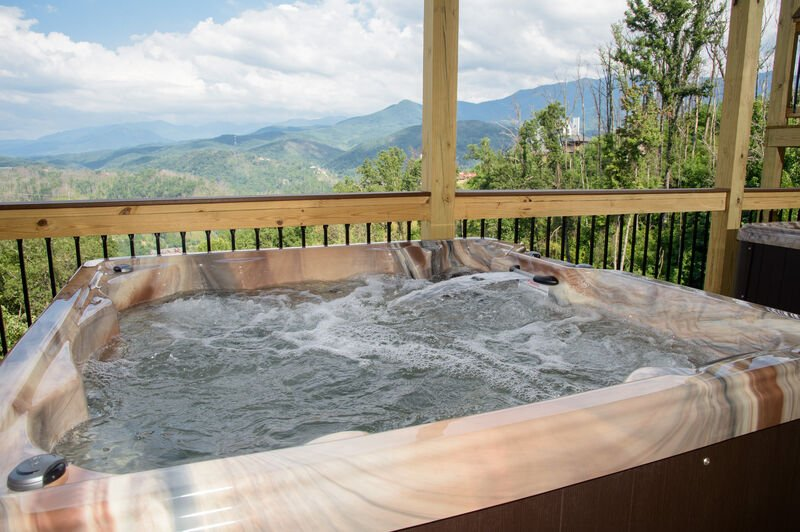 Outdoor Hot Tub Overlooking Gatlinburg Wilderness