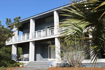 This great home is very close to Boardwalk 3A making it easy to get to the surf.