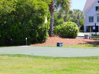 There is even a putting green to practice on before your next round.