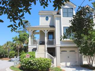 3002 Salt Marsh is a lovely town home in a great location.