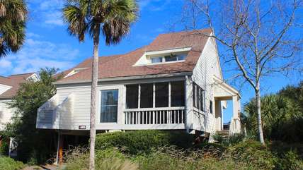 What a perfect 2 bedroom 2 bath home for your Seabrook vacation!