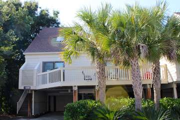 755 Spinnaker is an inviting home for a wonderful vacation with those you love.