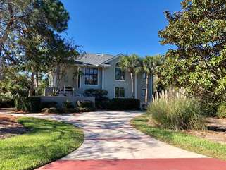 2251 Catesby's Bluff is an amazing home located just steps from Seabrook's beautiful North Beach.