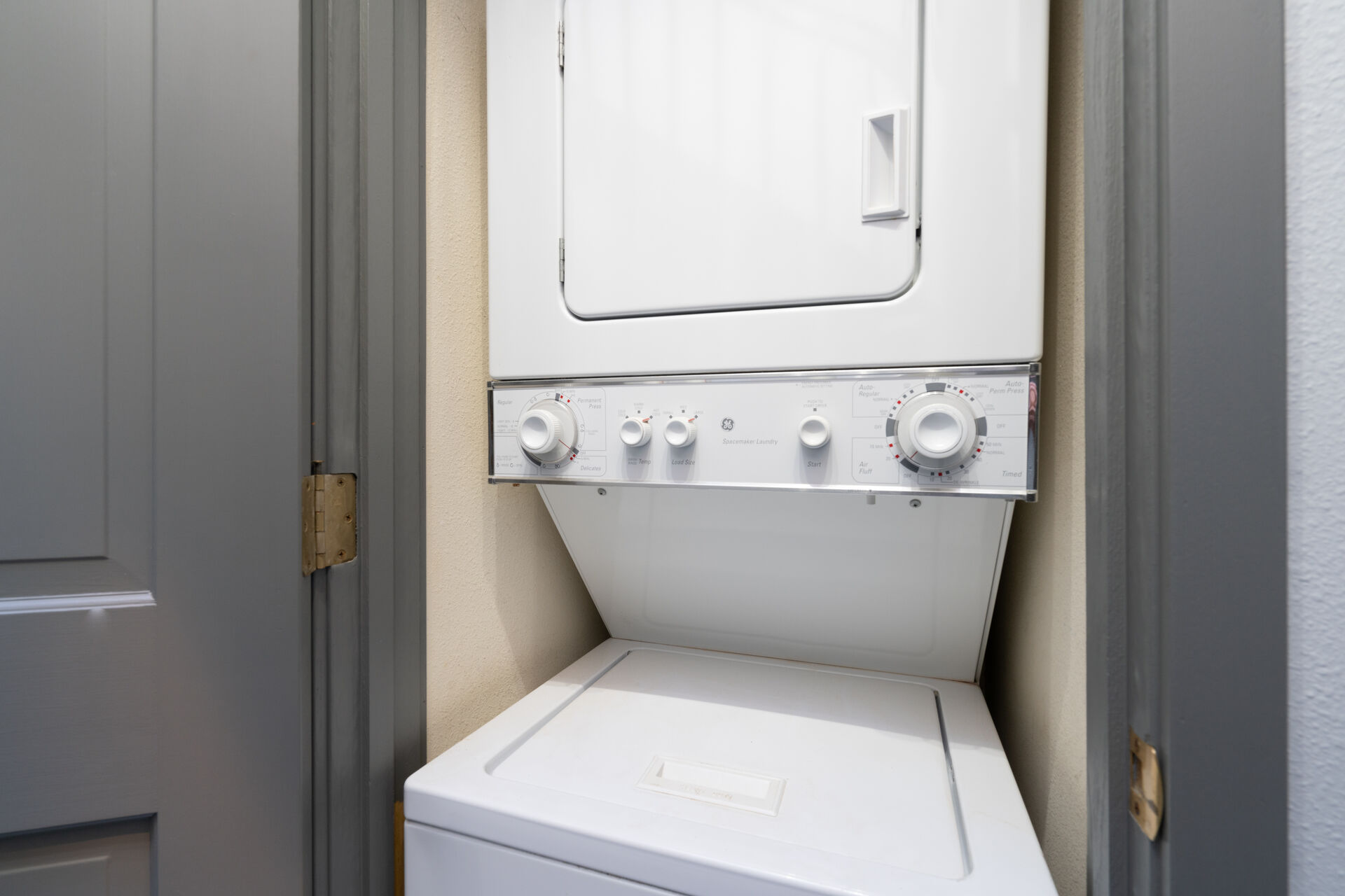 a washer/dryer unit