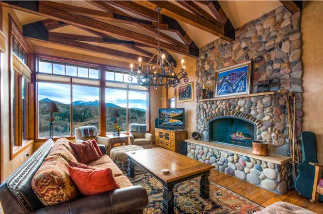 Living room in the Mariemont Telluride vacation rental