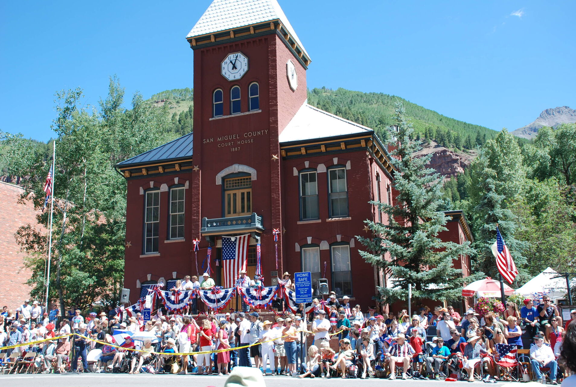 4th of July Parade and the historic County Courthouse