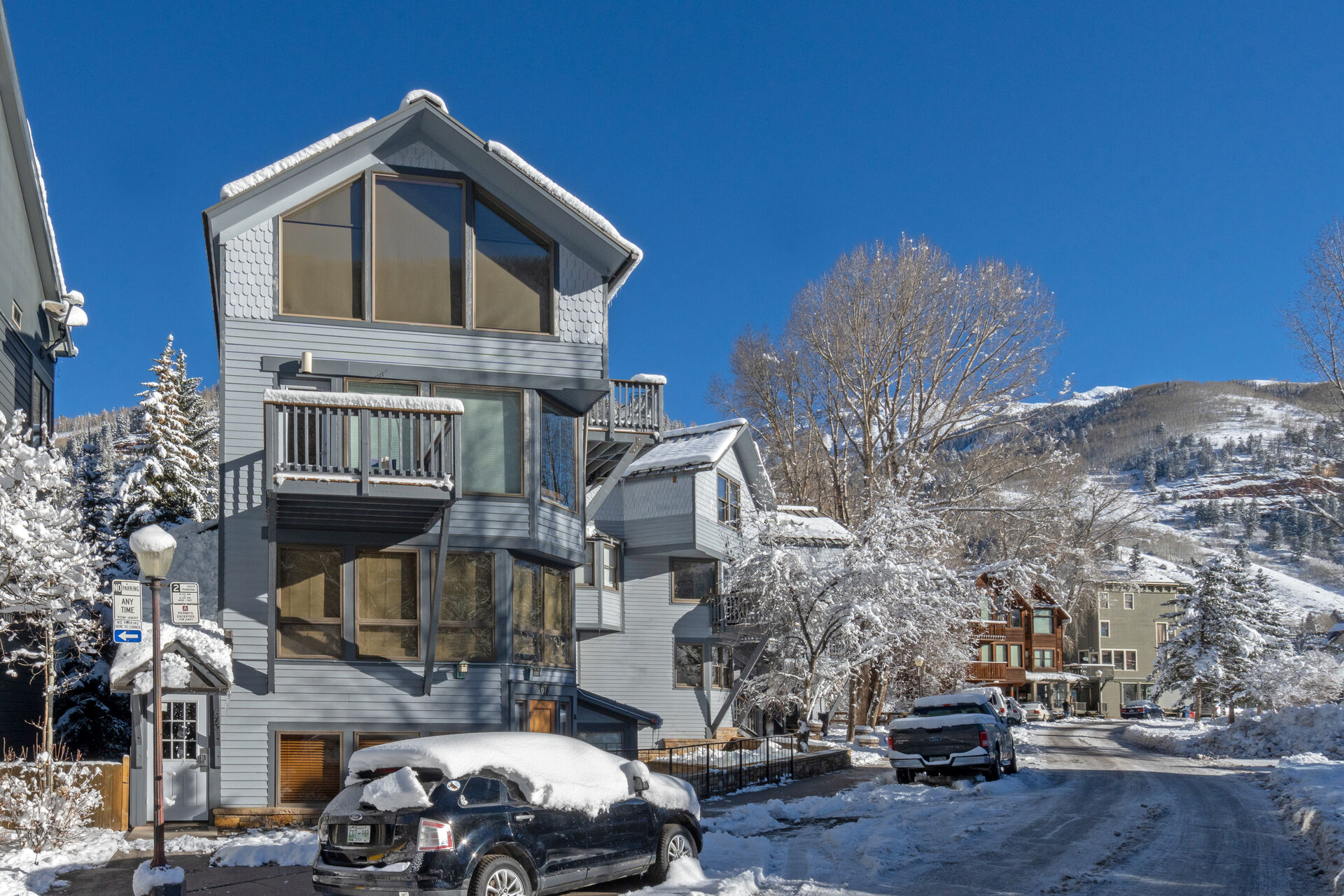 Front view of our Plunge H Telluride Vacation Condo