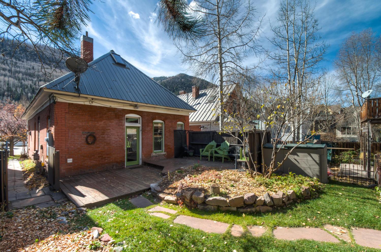 Backyard and the Victorian Elegance Telluride home