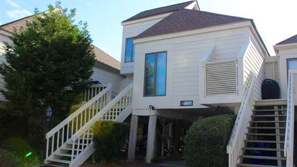 Walk to the beach while staying at this lovely Spinnaker townhouse.