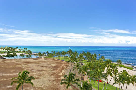 Expansive Ocean View from this Ko Olina beach villa for rent.