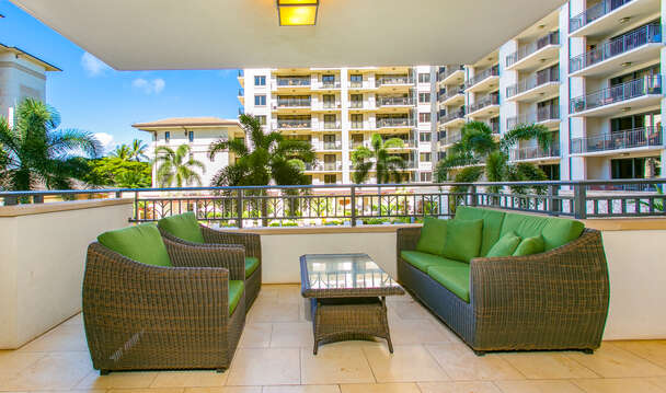 Spacious Lanai Overlooking the Lap Pool at Beach Villas OT-224