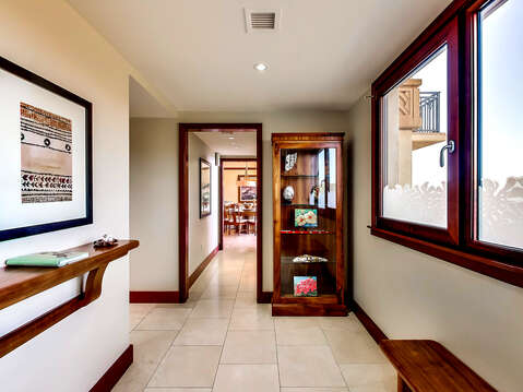 Display Stand, and a Window in the Entry of our Ko Olina Condo Rental Oahu.