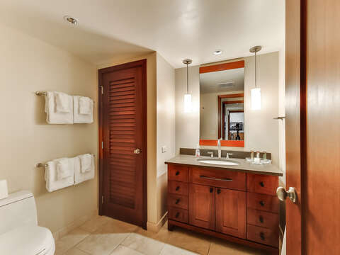 The Second Bathroom in Beach Villas BT-910, with a Full Tub & Shower
