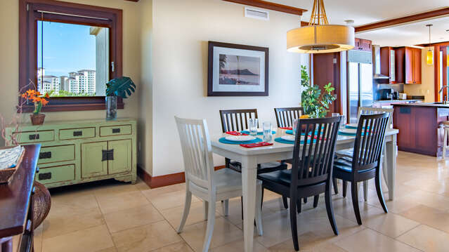 Dining room with Gorgeous Furnishings inside Beach Villas BT-609