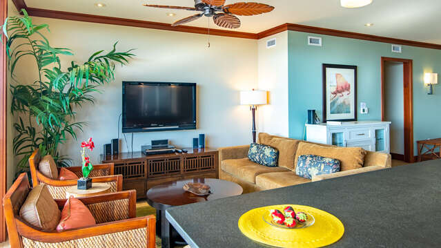 Kitchen and Family room inside Beach Villas BT-609