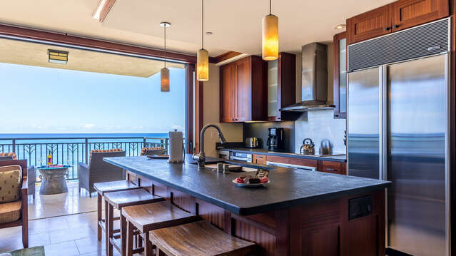 Beach Villas BT -610 Breakfast Bar with a View of the Ocean!
