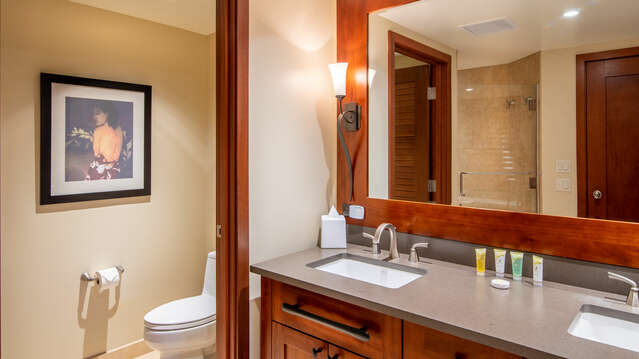 Large Master Bathroom with Dual Sinks inside Beach Villas BT-901