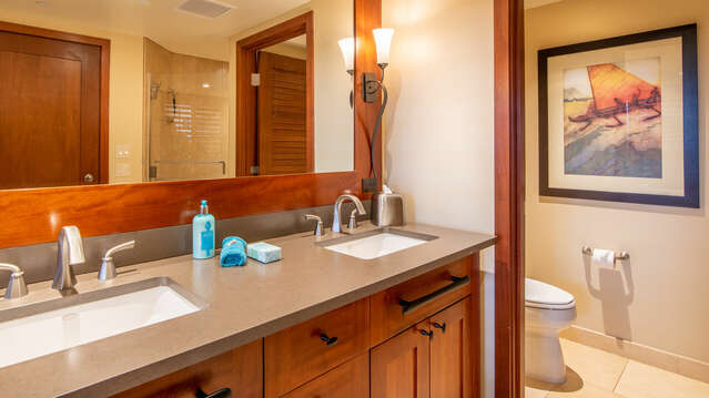 Large Master Bath with Dual Sinks inside Beach Villas BT-608
