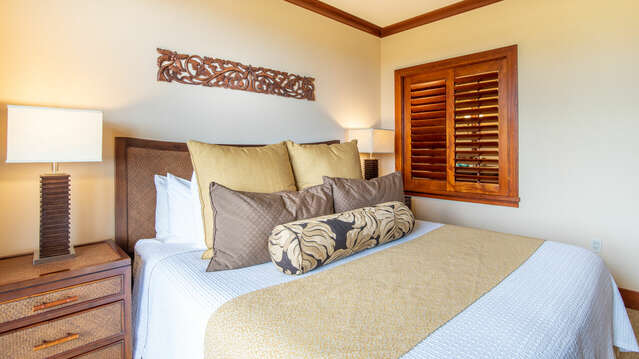 Master Bedroom with Beautiful Furnishings inside Beach Villas BT-608