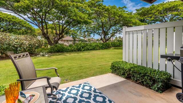 Quiet and Private Grassy Area off the Lanai.