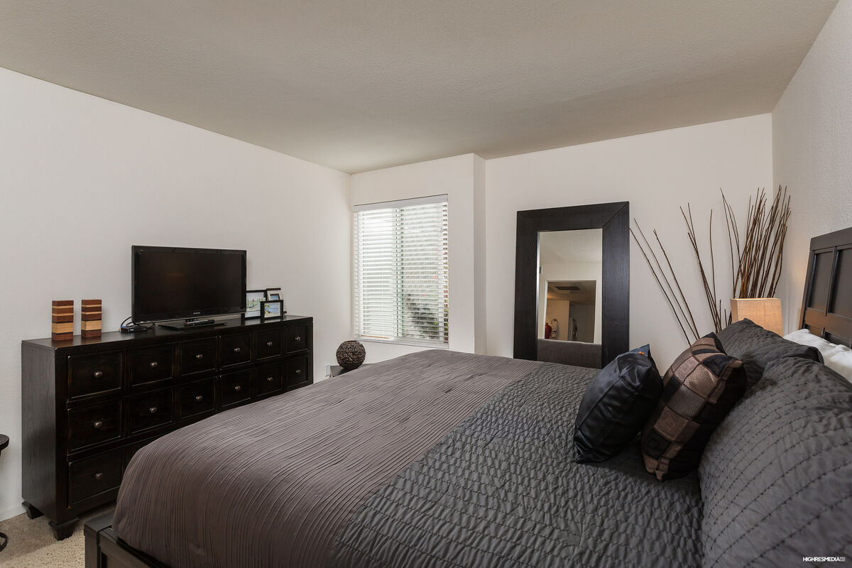 Master Bedroom - King Sized Bed