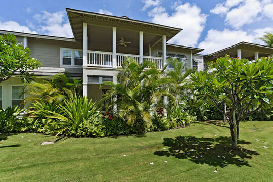 A View of the Garden Area outside the this Oahu villa rental.