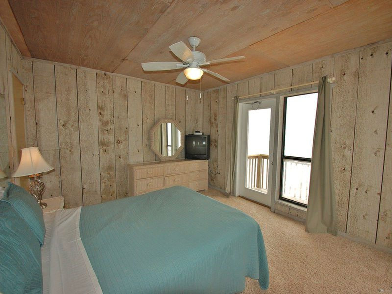 Second Floor Master Suite with Queen Bed and Private Balcony
