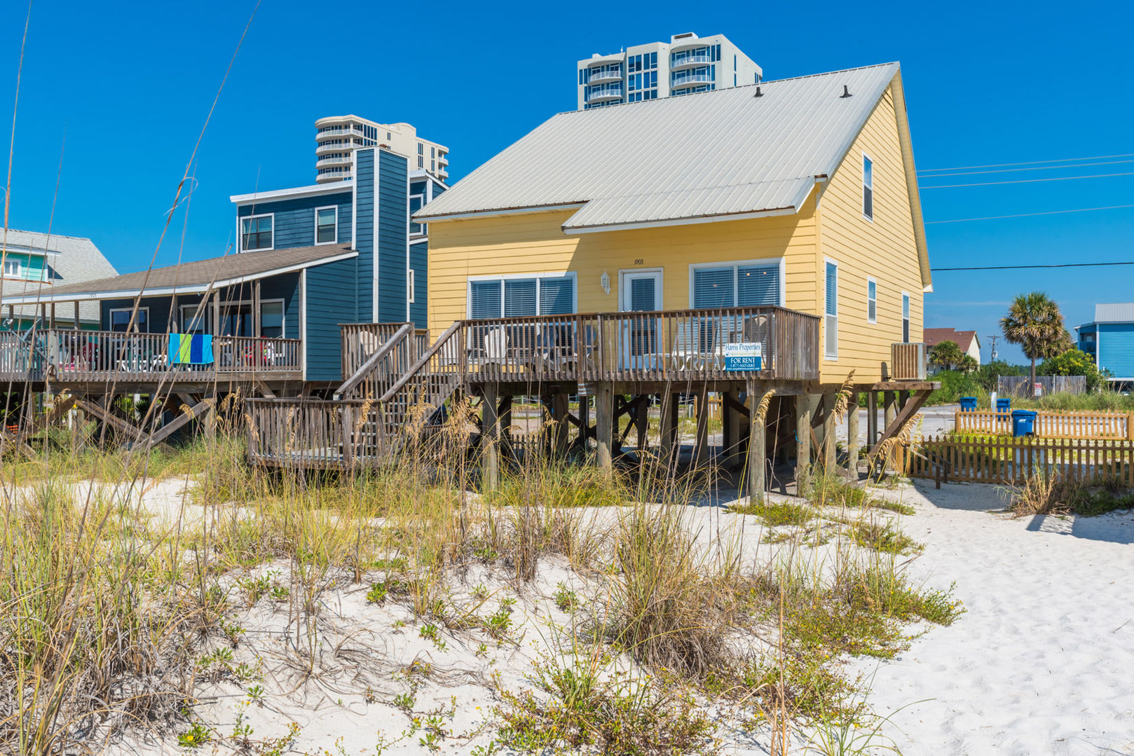 Rear Picture of our Beachfront Rental.