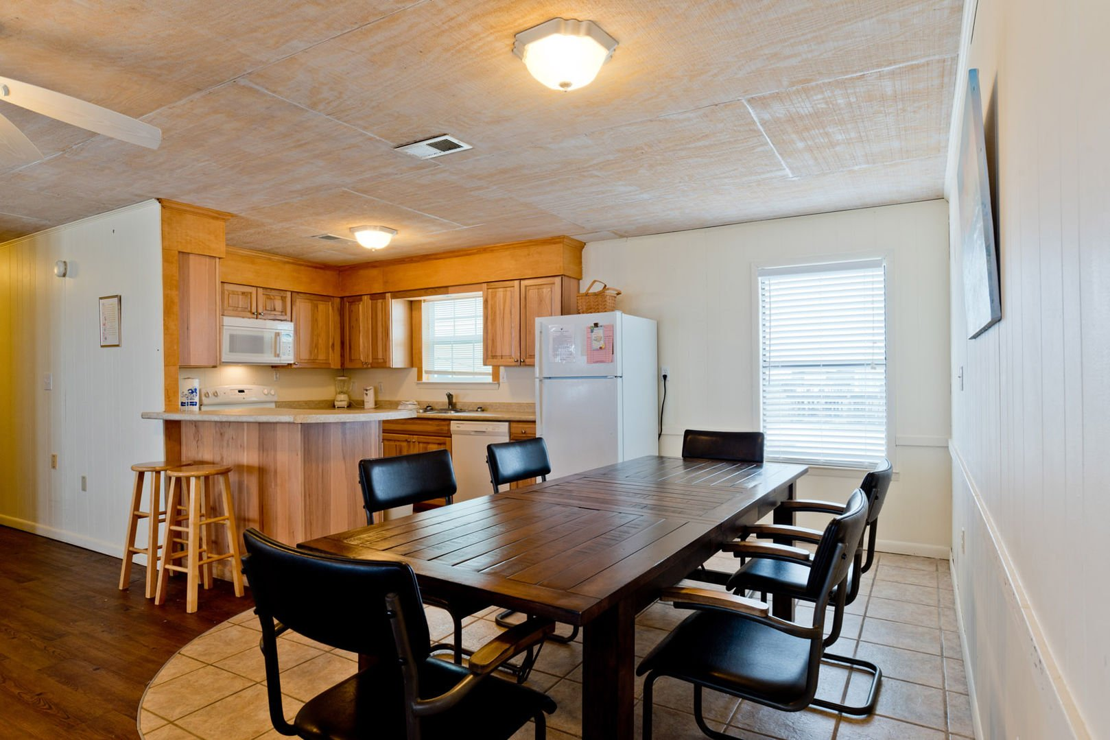 Dining Table in our Fort Morgan Alabama Beach Rental Sits 6