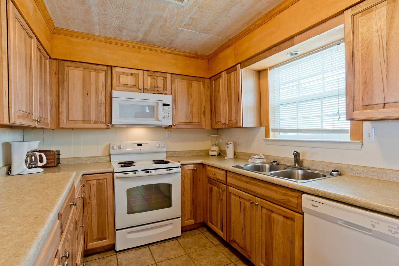 Kitchen Has a Gulf and Bay View