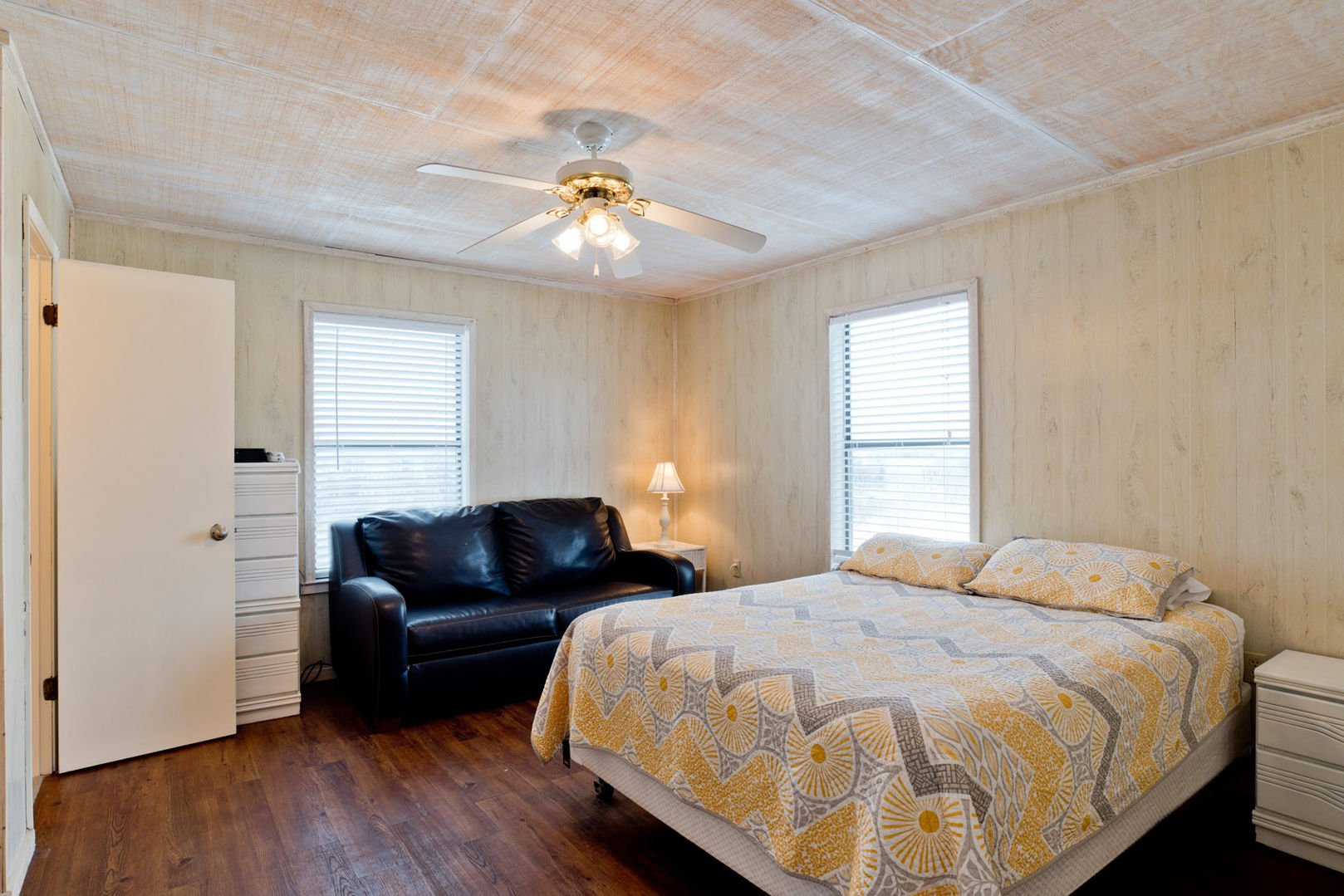 Large Queen Bedroom with Full Couch Sleeper