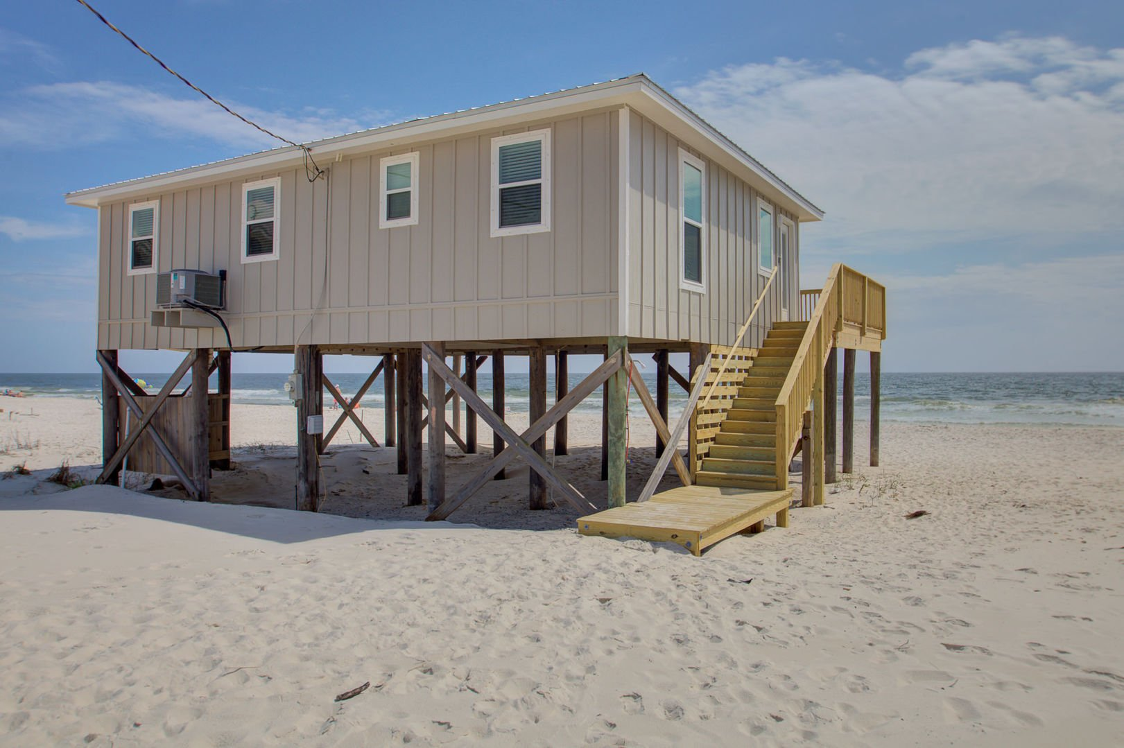 View of the outdoor section of this beachfront Gulf Shores rental