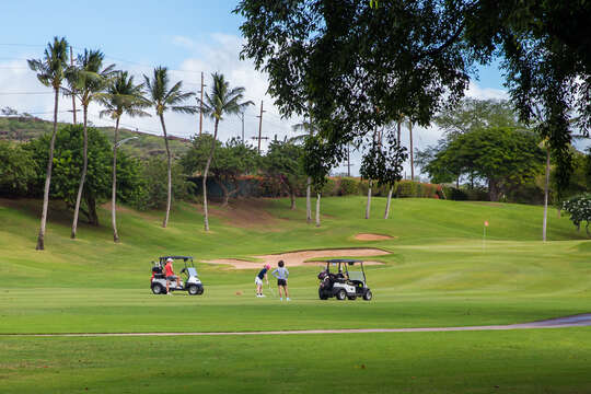 Golf course located next to this Ko Olina condo rental.