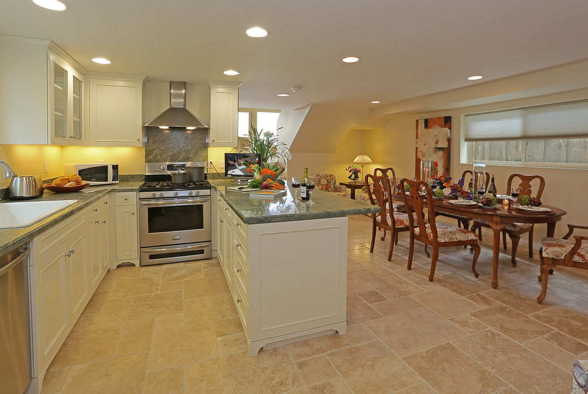 Kitchen, Dining and cozy seating area with TV