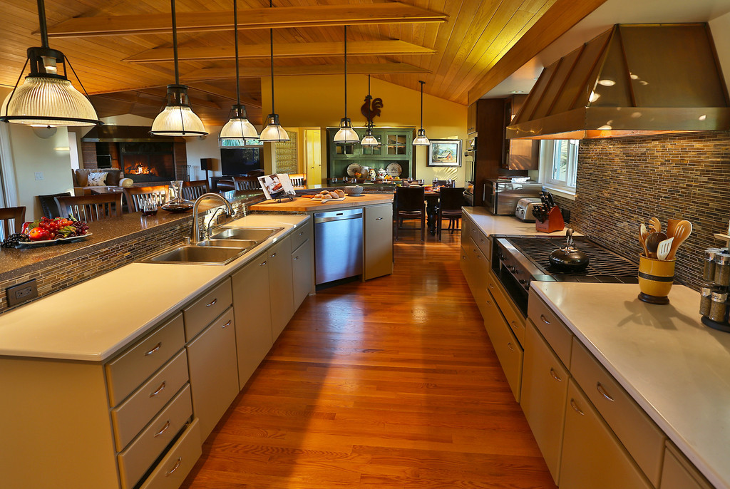 Incredibly smart gourmet Kitchen