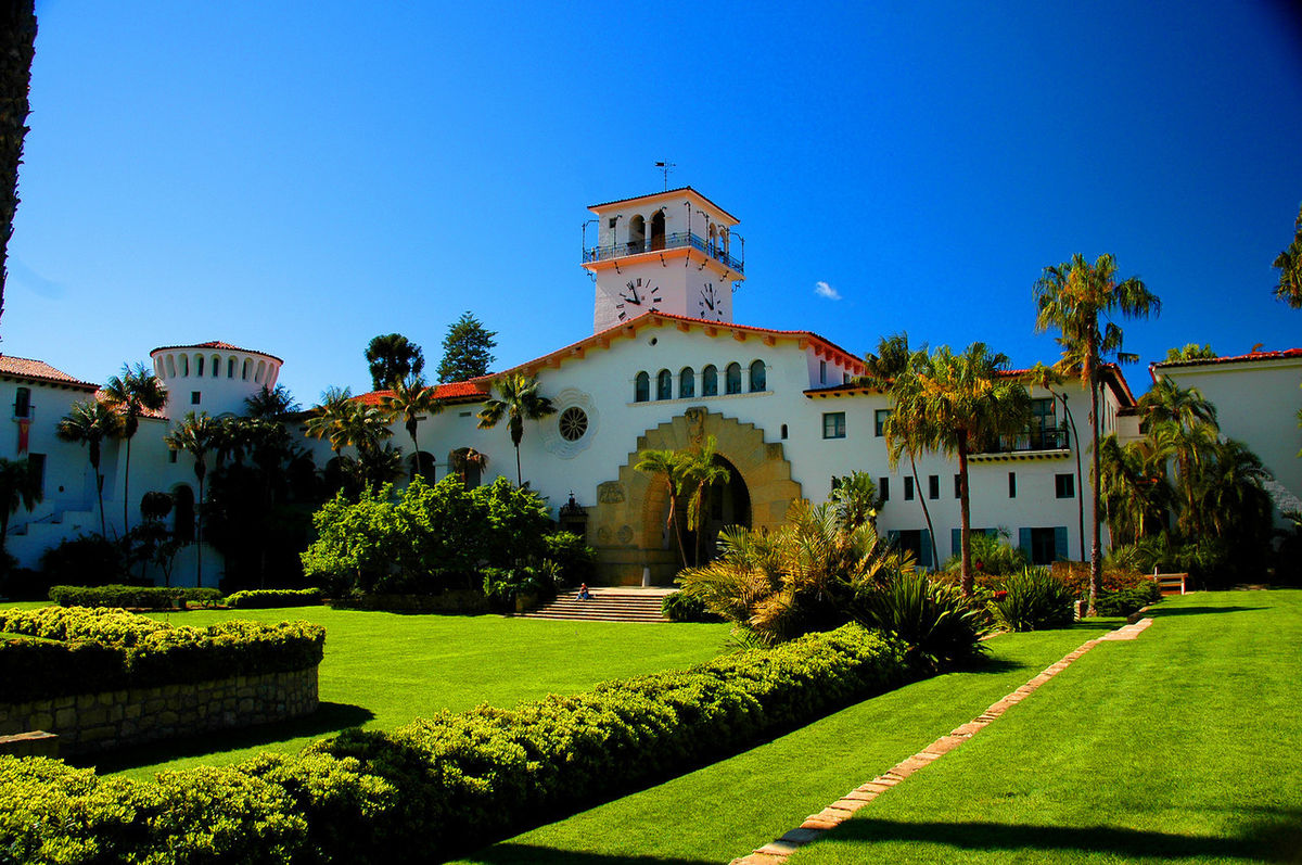 Tour the Santa Barbara Courthouse and Sunken Gardens