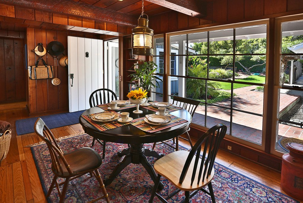 Breakfast Room with courtyard views