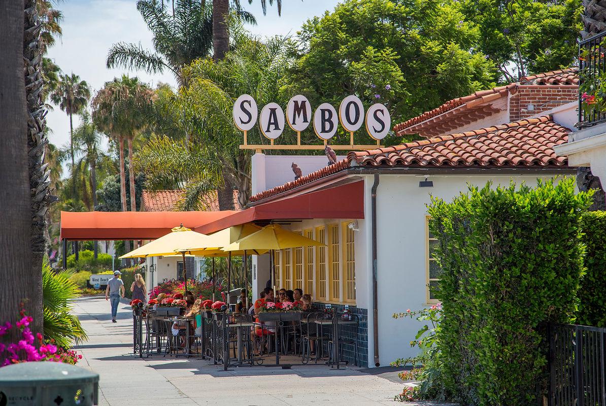 The original Sambo's is just around the corner