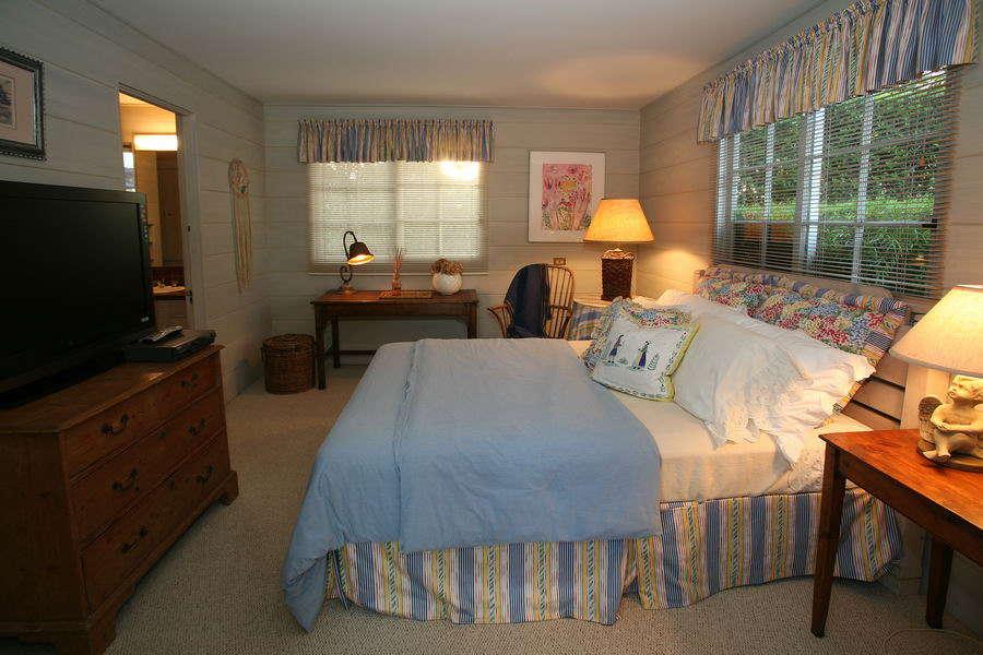 Bedroom #2 w/ Queen Bed