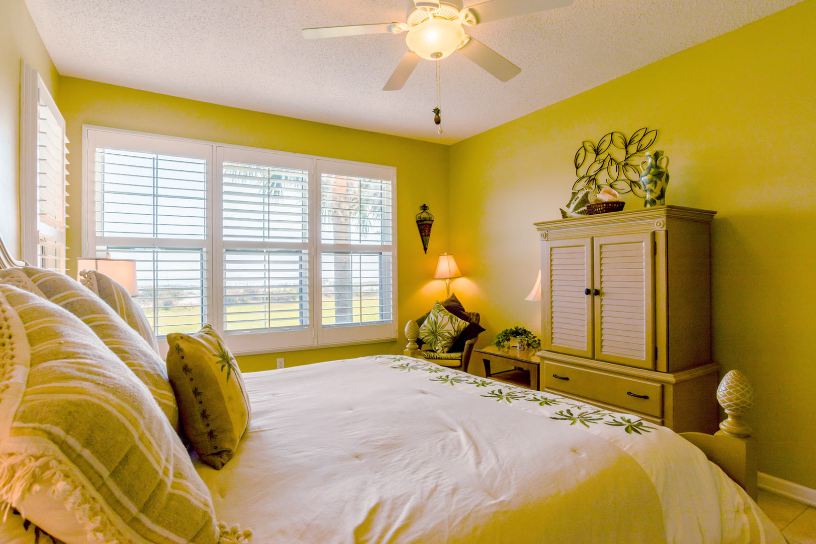Beach Front Master Suite with King Bed