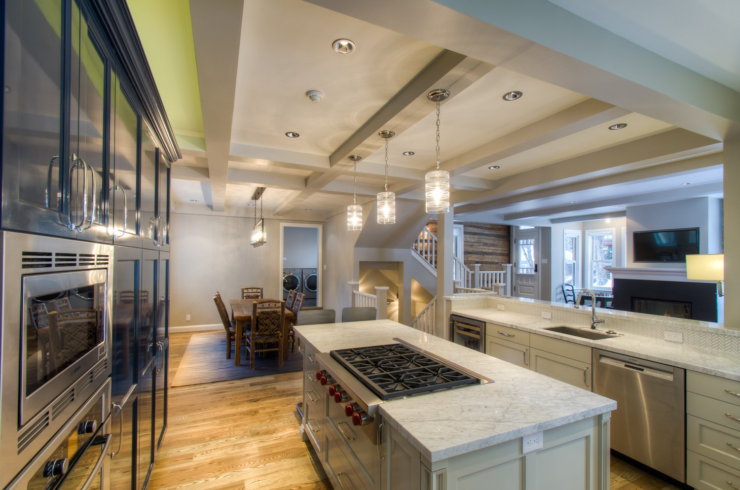 Fully Equipped Kitchen with Island and Plenty of Space for Cooking and Prep