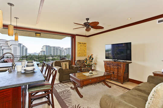 The vacation house rental oahu hawaii 's Living Area with View