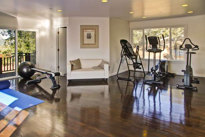 Free weights, machines, yoga mats, Wii Fit