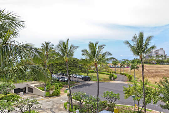 Community Street at our Oahu Vacation House Rental
